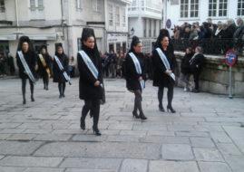 Las Meigas participaron en la procesión de Os Caladiños
