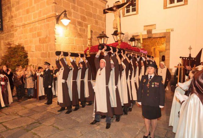 LAS MEIGAS EN LA PROCESION DEL SANTISIMO CRISTO DEL BUEN CONSUELO
