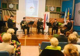 ECOS DE BUENA MUSICA EN EL CASINO